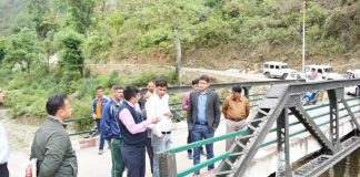 page3news-DM Mangesh Ghilliyal inspected the construction of PMGSY bridges